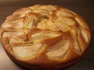 Jabolčni-kolač-s-cimetom