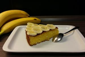 Skutin kolač z bananami