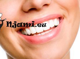 Čiščenje zob s sodo bikarbono