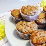 Muffini z ovsenimi kosmiči in sadjem